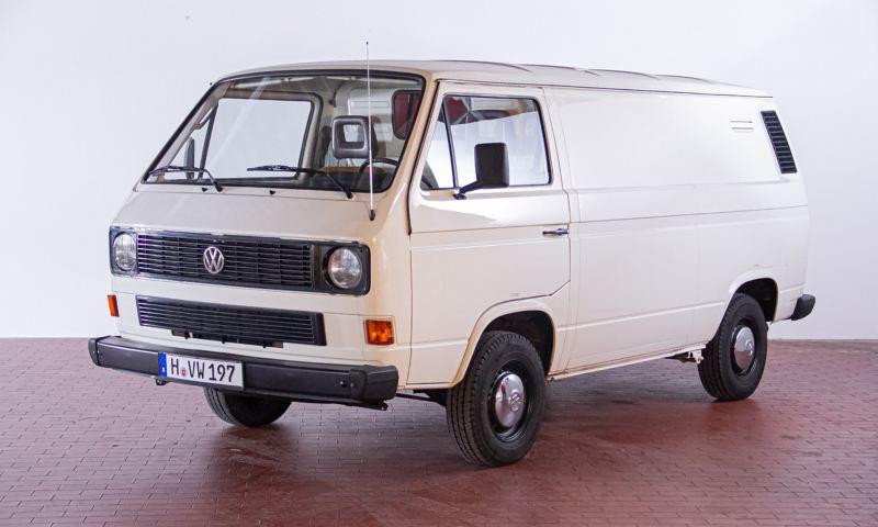Manfred - 1992 T3 Kastenwagen Telekom schräg von vorne.