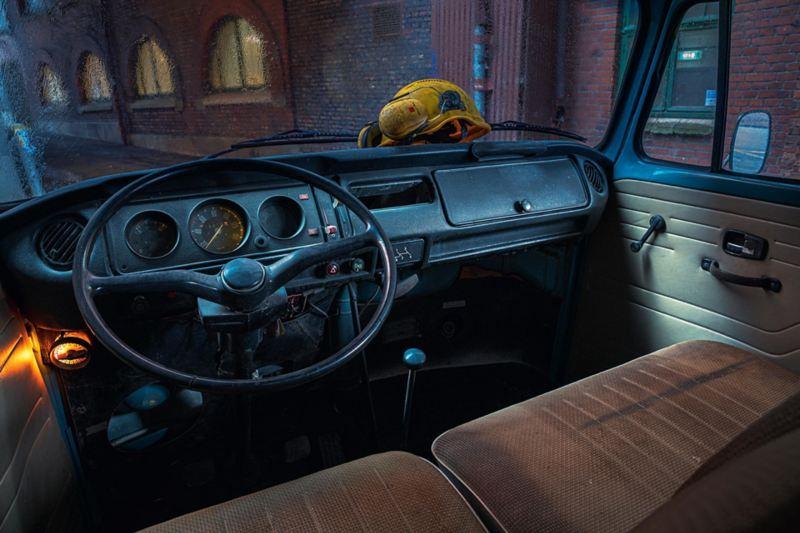 Interiören i VW-pickup 1973
