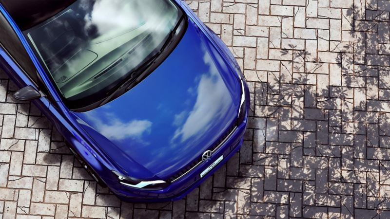 Diseño exterior de Polo 2021 de Volkswagen con techo y carcasas de espejos en color negro