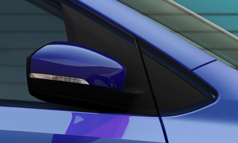 Espejos laterales con luz direccional presentes en Nuevo Polo 2020