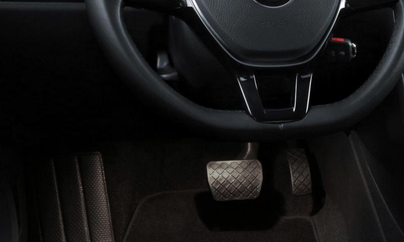 Iluminación ambiental en pedales de Polo 2021, carro juvenil compacto de Volkswagen