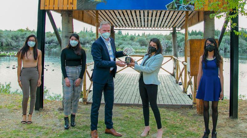 Premiación a Proyecto de Estrategias biológicas y sociales para el rescate y conservación de aves rapaces