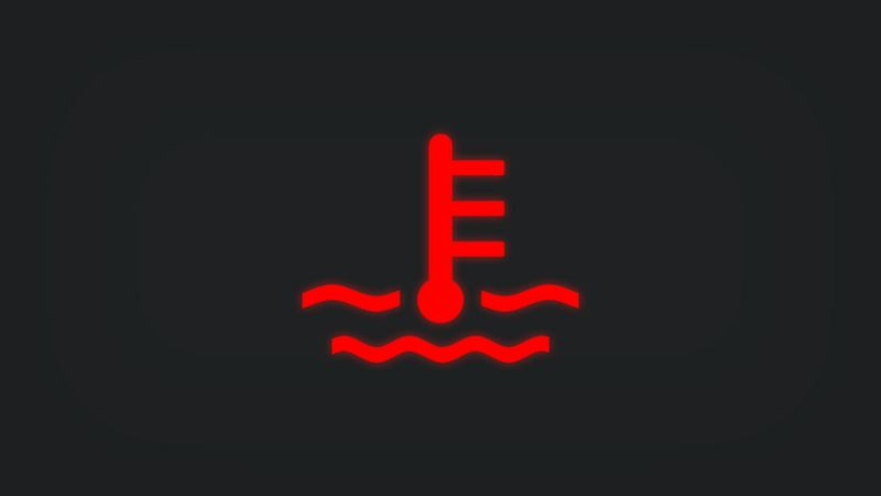 Kontrollleuchte mit Kühlmittelstand leuchtet rot