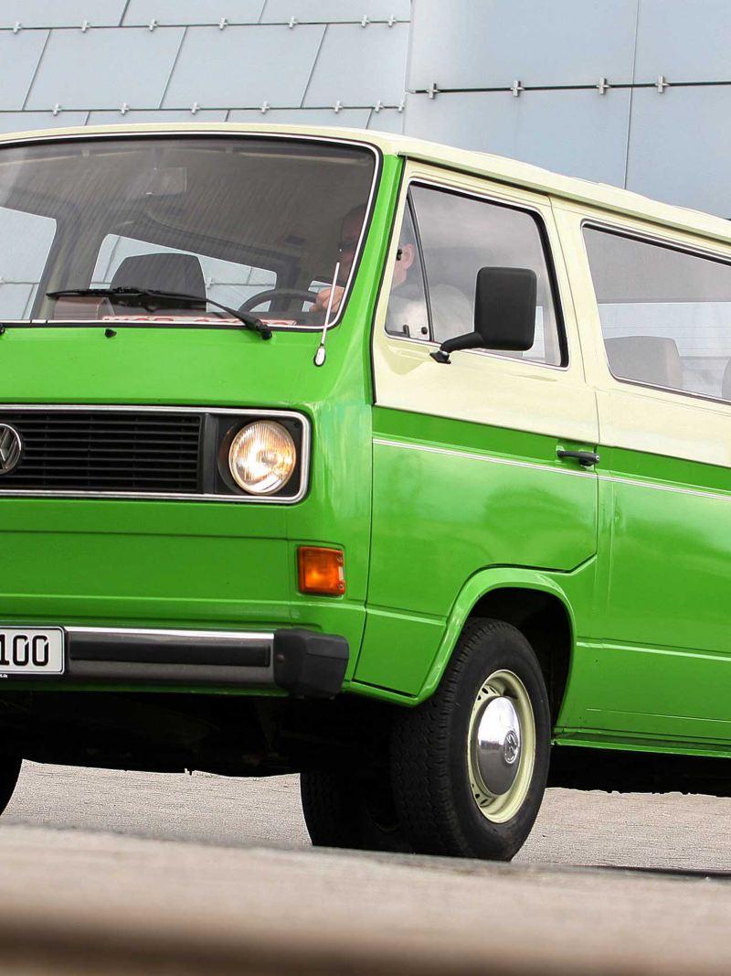 Volkswagen T3 Folkabuss grön och vit