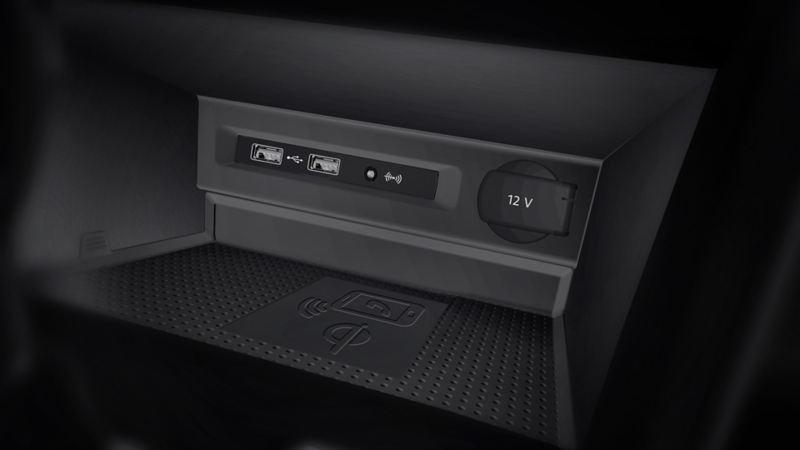 Cargador inalámbrico para móvil presente en interior del SUV Tiguan 2020 de Volkswagen