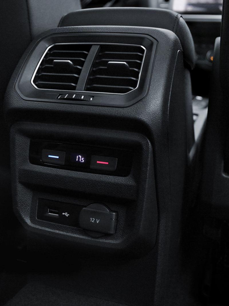 Ventilas traseras del Sistema Climatronic presente en SUV Tiguan 2020 de Volkswagen
