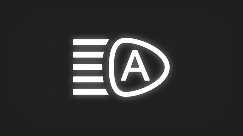 Kontrollleuchte mit Scheinwerfer und dem Buchstaben A leuchtet weiss