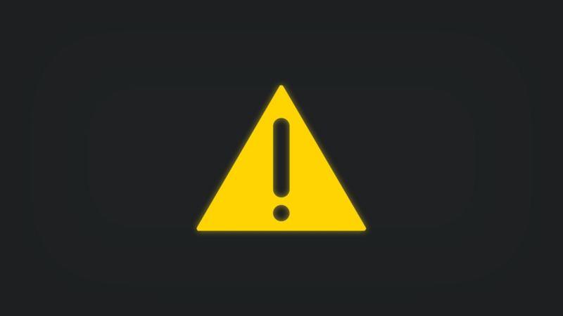 Kontrollleuchte mit Ausrufezeichen in Dreieck leuchtet gelb