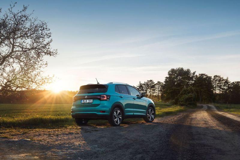 Volkswagen T-Cross i solnedgång