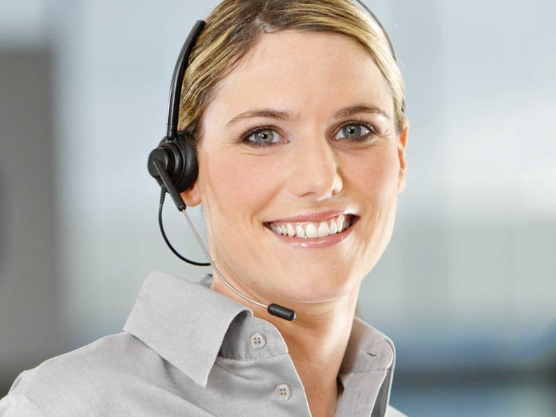 kundeservice kontakt oss VW Volkswagen varebiler og store personbiler kundeservicemedarbeider
