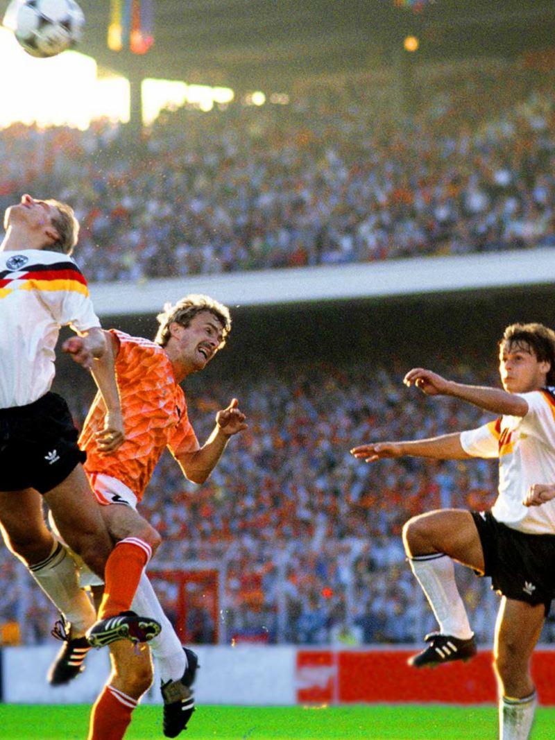 EM 1988 - Deutschland vs. Niederlande - Strafraumszene