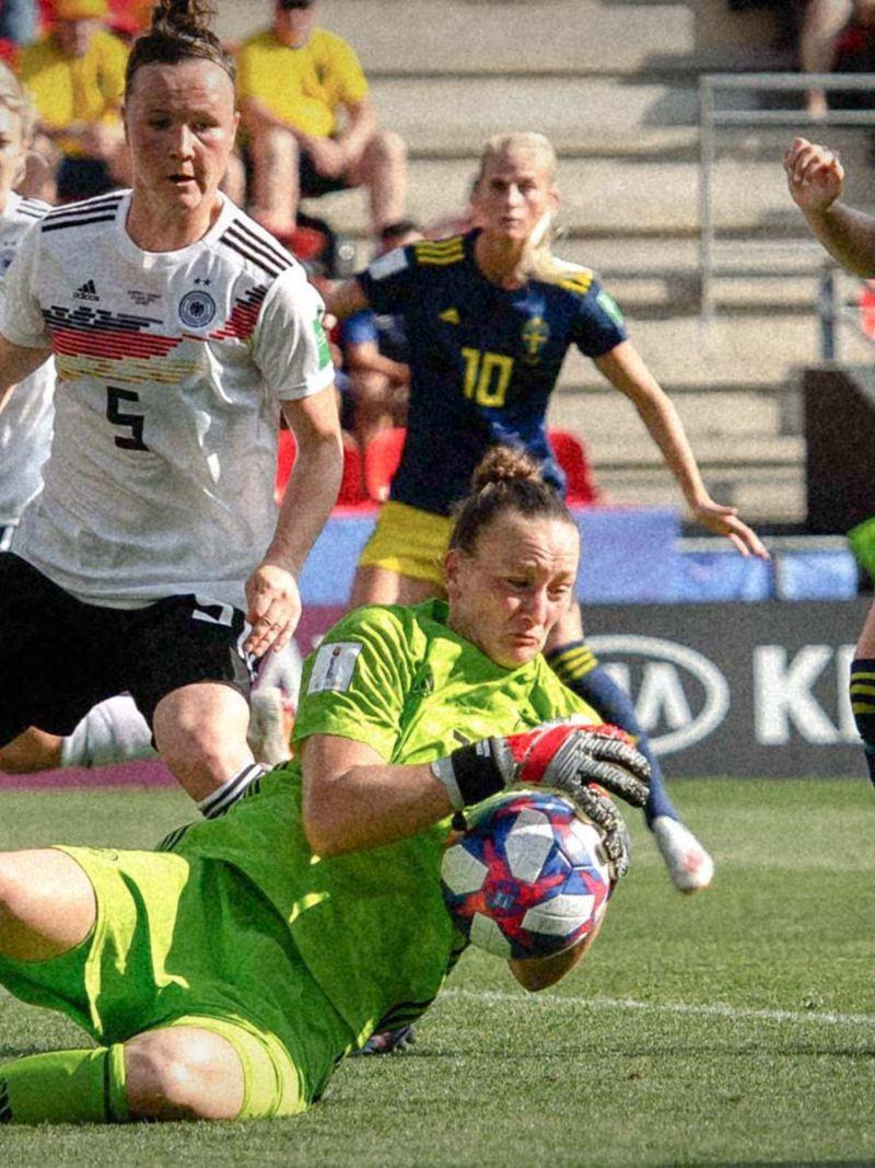 Torhüterin Almuth Schult im Nationaltrikot gegen Schweden.