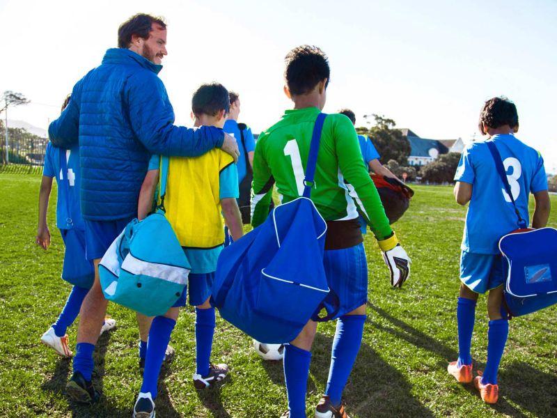 Eine Amateur-Mannschaft vor dem Training