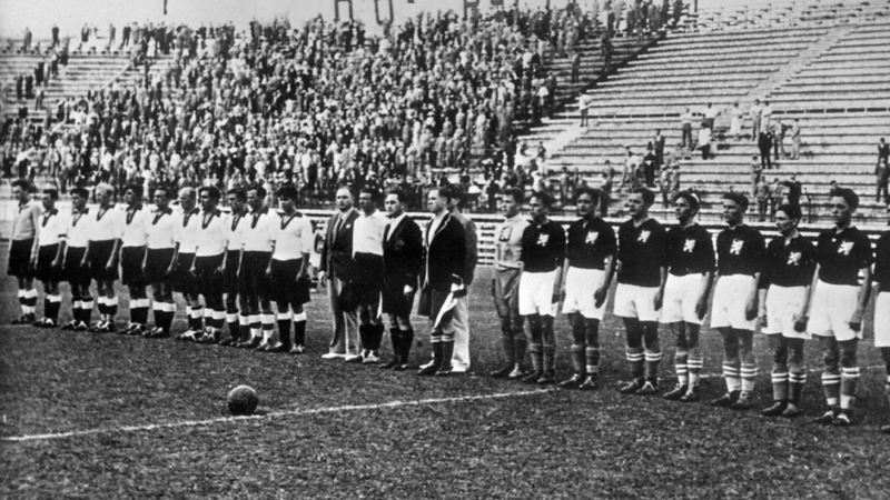 Aufstellung zum WM-Halbfinale 1934: ČSSR gegen Deutschland