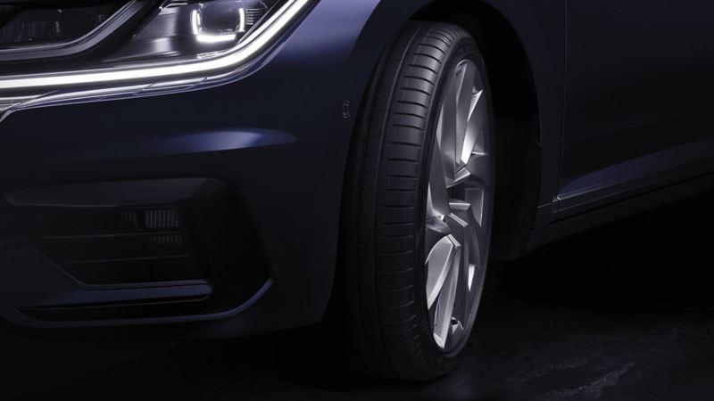 Närbild på VW däck