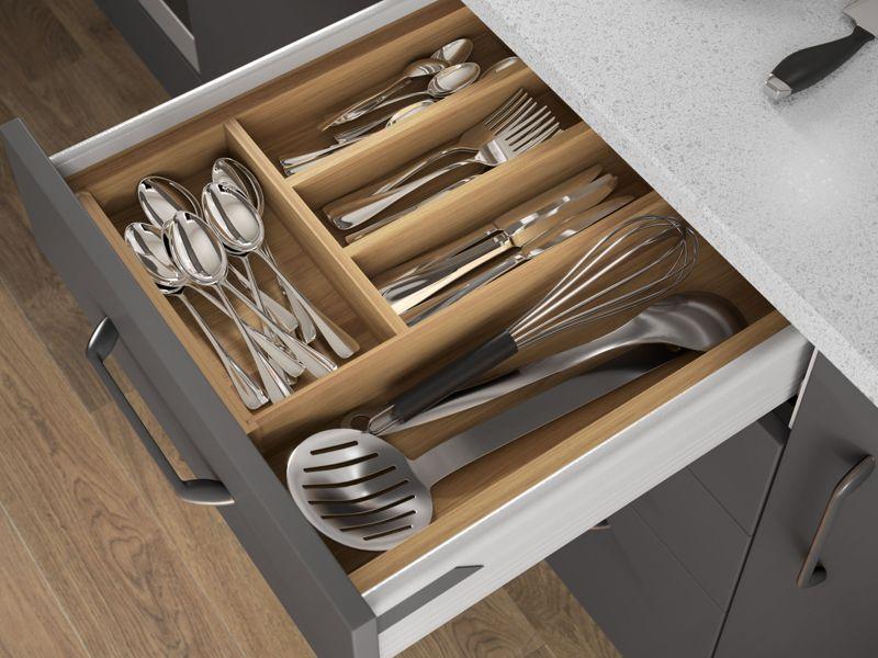 Cutlery drawer storage
