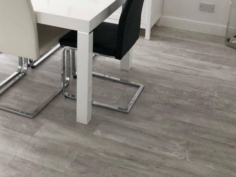 Wickes Salerno Oak Grey Laminate Flooring - 2.22m2 Pack