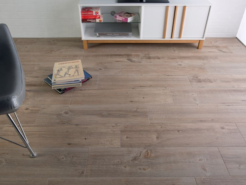 Heartwood Light Oak Wood Effect Pocelain Tile