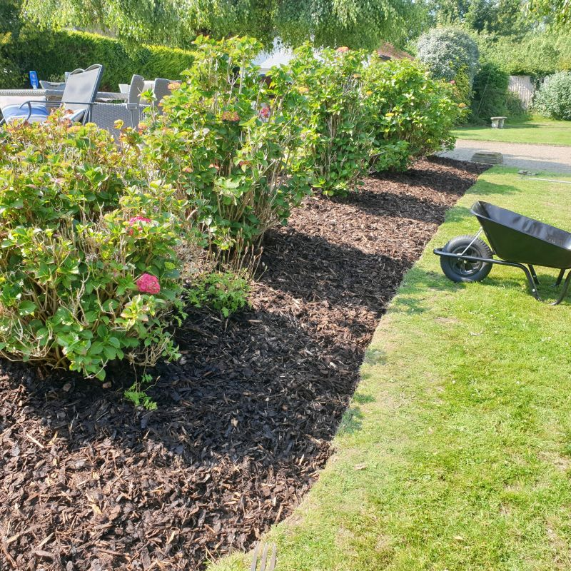 Wickes Play Safe Grade Bark Chippings - 100L