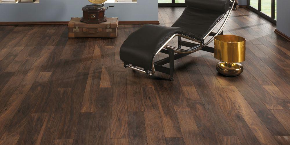 Wickes Reynosa Dark Hickory Laminate Flooring - 1.73m2 Pack