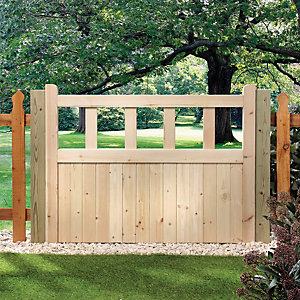 Image of Wickes Timber Cut Out Top Timber Gate Kit - 1206 x 914 mm
