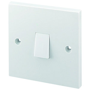 Wickes 10A Light Switch 1 Gang 2 Way White