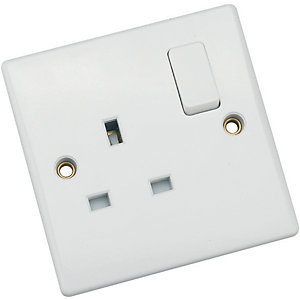 Schneider Ultimate 13 Amp Double Pole Single Switched Socket - White