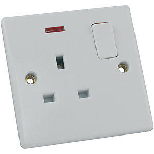 Schneider Ultimate 13 Amp Single Switched Socket with Neon Indicator - White