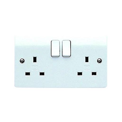 MK 13 Amp Switched Twin Plug Socket -
