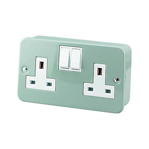 Plugs, Fuses & Adapters | Switches & Sockets | Wickes.co.uk | Wickes Electrical Fuse Box |  | Wickes
