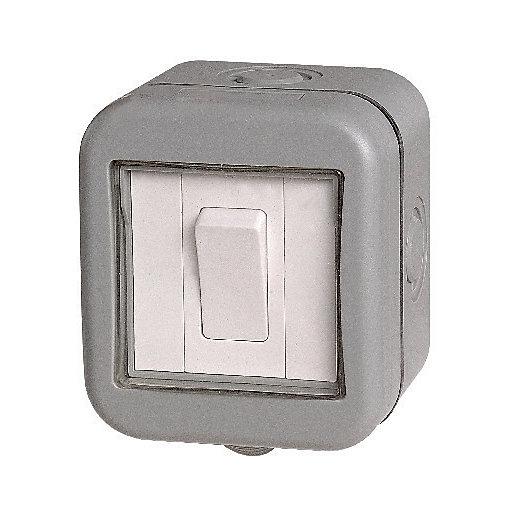 Masterplug IP55 10A Single Exterior 2 Way Switch