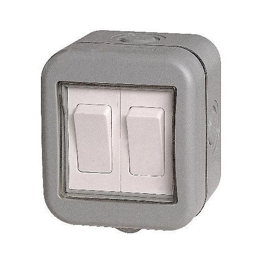 Masterplug IP55 10A Twin Exterior 2 Way Switch