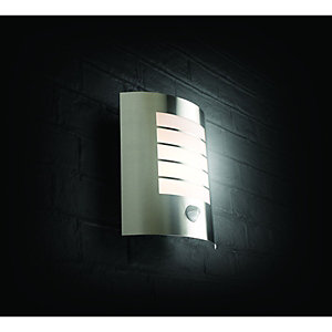 Wickes Oslo Chrome Wall Light with PIR - 60W